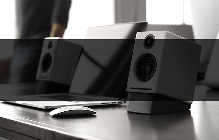 Choosing the Best Wireless Speakers: Bluetooth vs. AirPlay